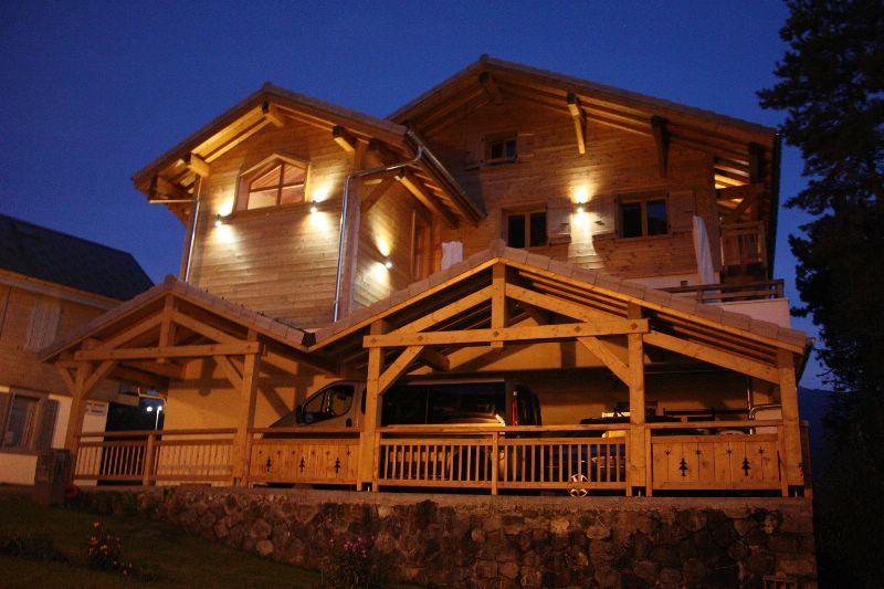 Chalet Hotel la Terrasse de Verchaix** Samoens - ski chalet for bed ...