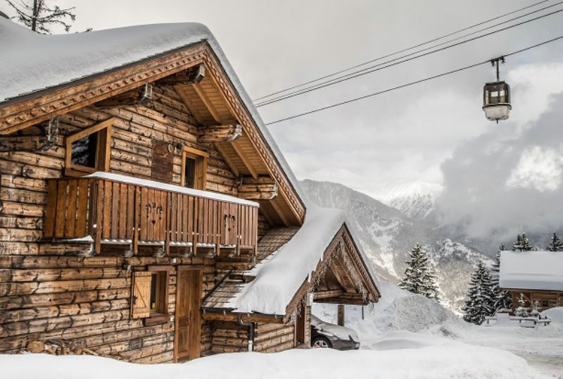 chalet pleroma la tania luxury ski chalet for catered chalet ski holidays snowboarding and