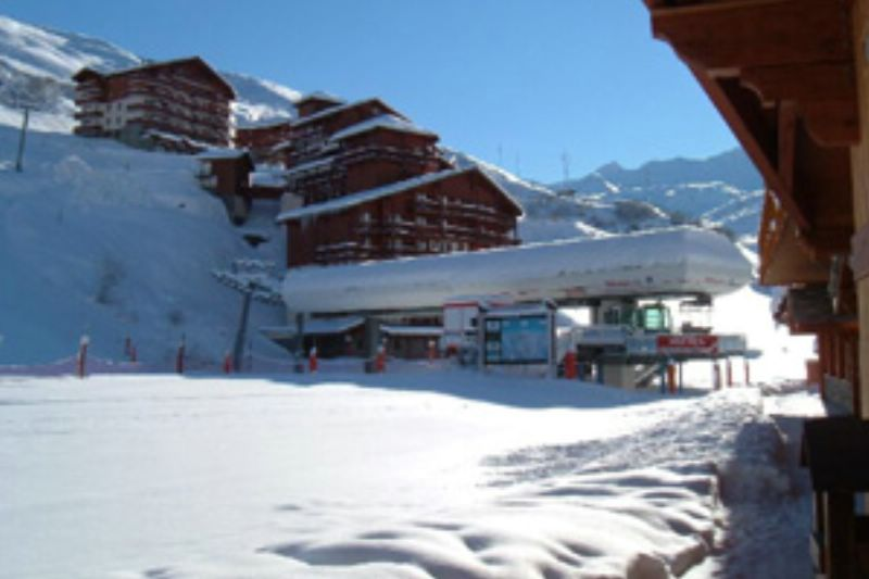 chalet hayley les menuires ski chalet for catered chalet skiing holidays snowboard and summer