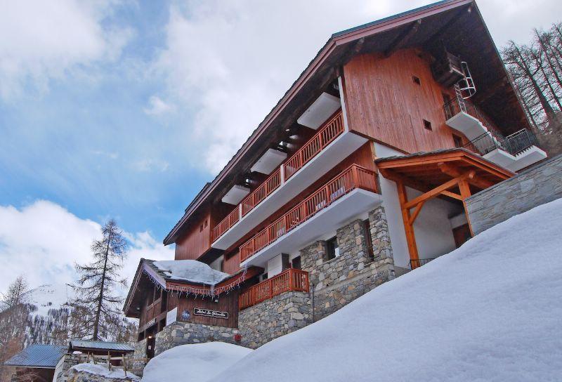 chalet hotel gelinotte val d is 232 re ski chalet for half board ski holidays snowboarding and