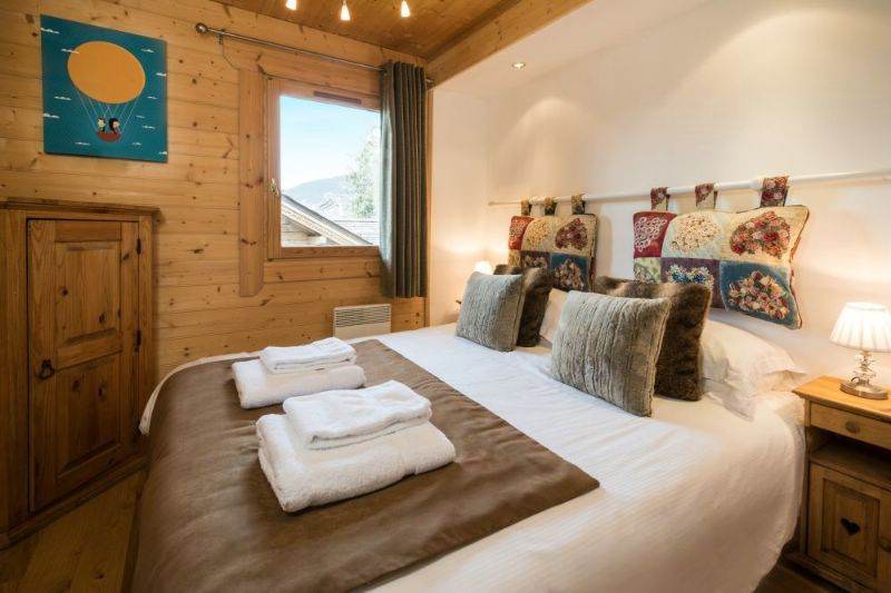 chalet la tania luxury ski chalet for catered chalet skiing holidays snowboard and