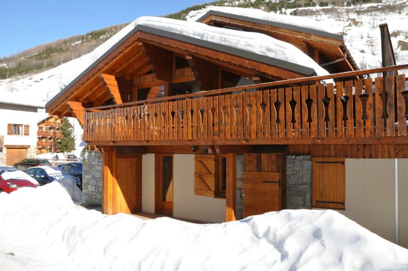 chalet yellow les menuires ski chalet for self catered skiing snowboarding and summer