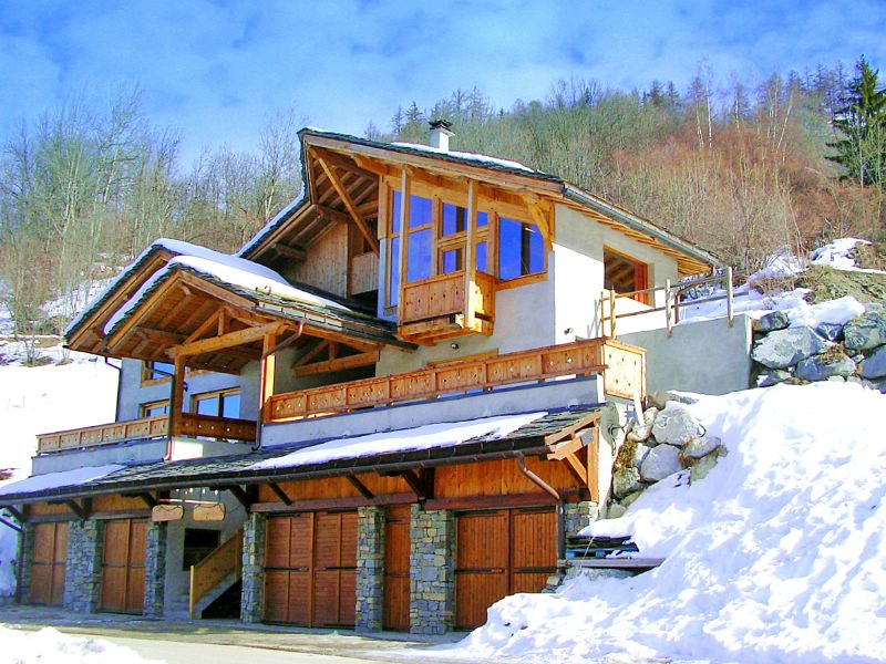 chalet balcon du paradis les arcs ski chalet for self catered skiing holidays snowboard and